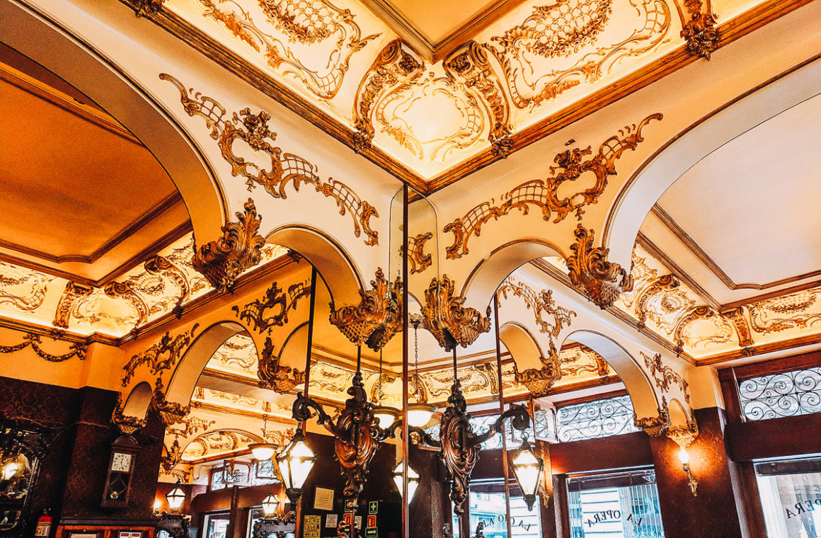 The ceiling of the Opera Bar