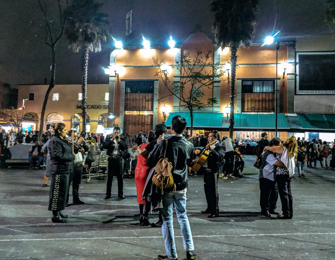Mariachis in Plaza Garibaldi