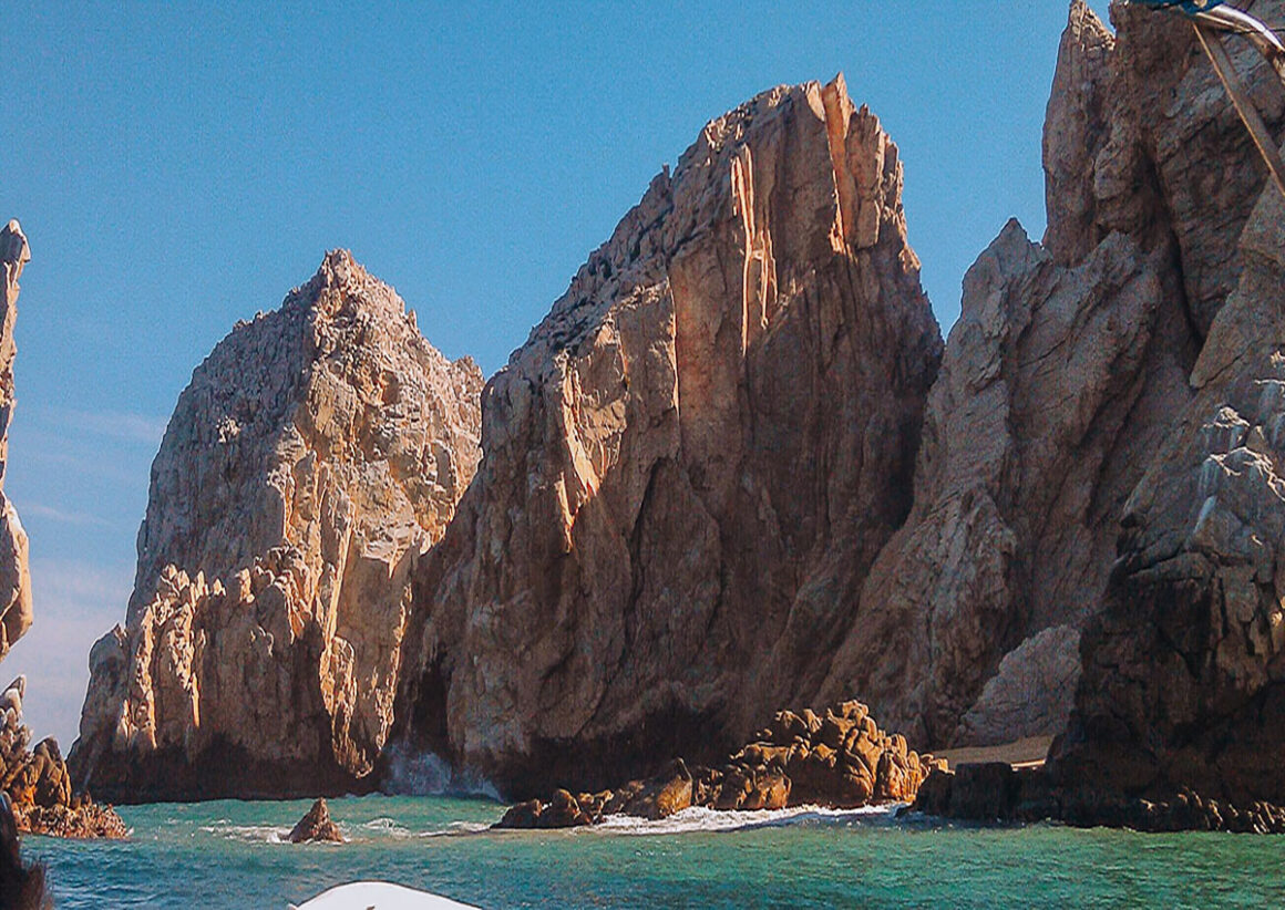 The blue green water around Land's End Baja Cabo